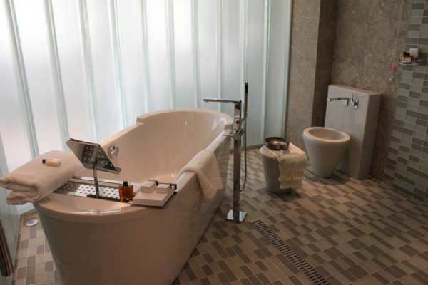 What Is The Bathtub Restoration Process In Orlando FL?