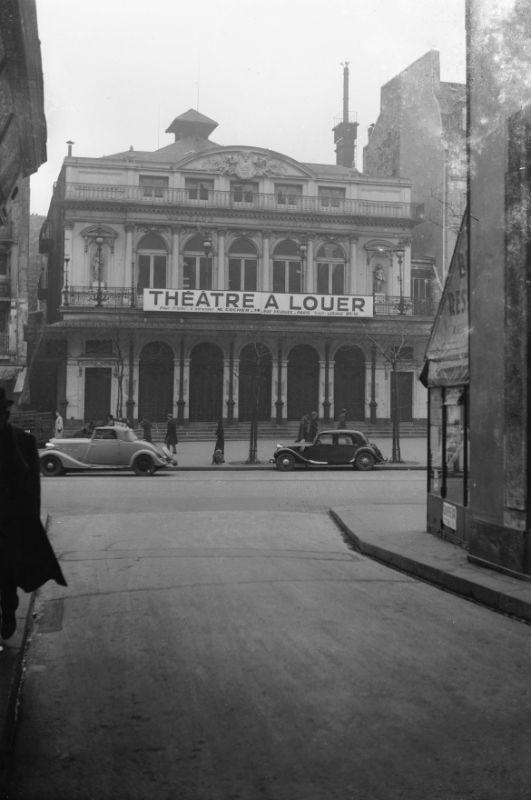 """Paris vers 1938 """"Théâtre du Gymnase boulevard de Bonne Nouvelle"""" © LAPI / Roger-Viollet"""