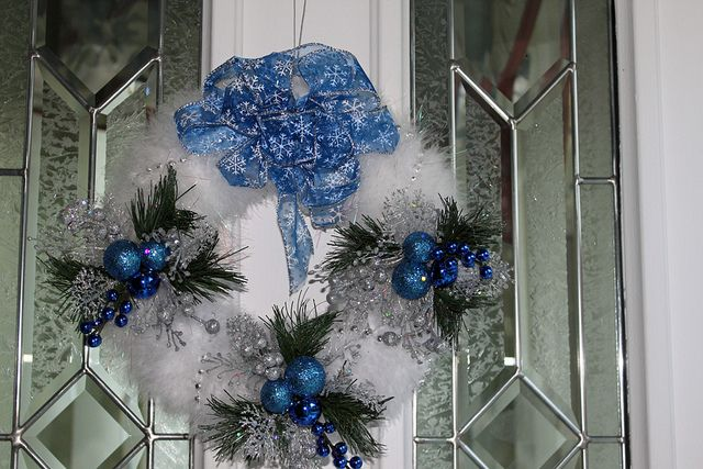 White marabou Christmas Wreath with blue and silver decorations
