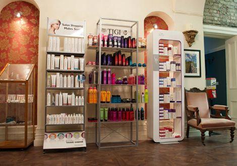 Una peluquer a con muebles vintage estetica pinterest - Peluquerias con estilo ...