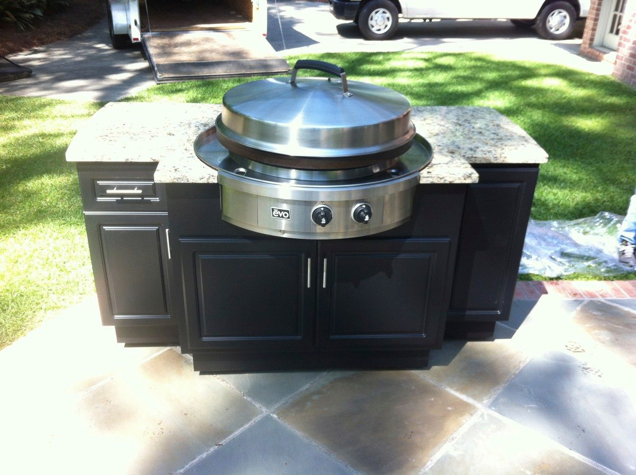 A Stand Alone Evo 30g Grill On A Beautiful Mgp Cabinet With Granite Counter Tops Outdoor Kitchen Countertops Bbq Island Outdoor Kitchen