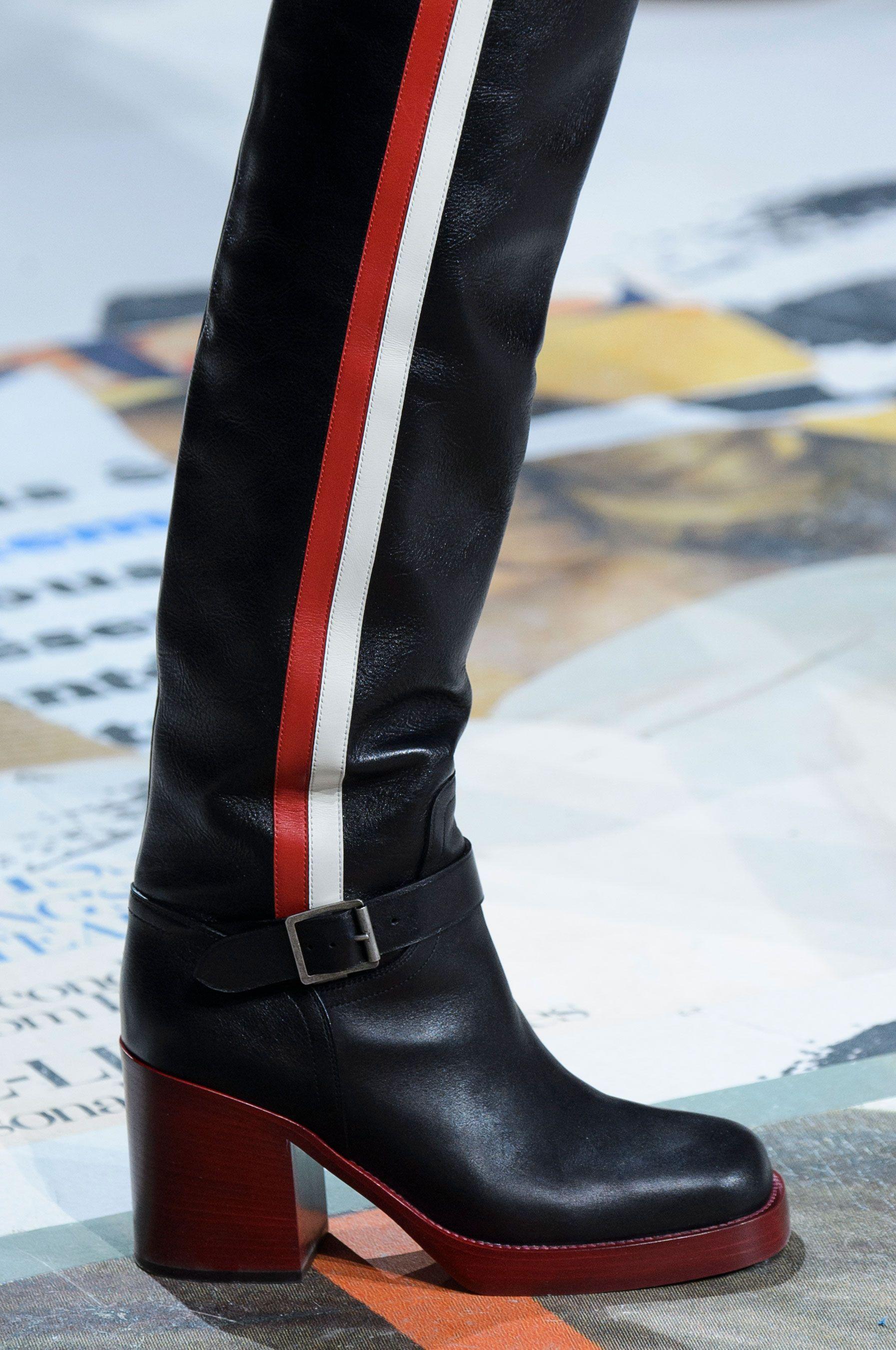 3fb638c61 Christian Dior Fall 2018 Fashion Show Details | eccentric shoes ...