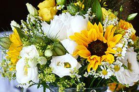 wiesenhafte sonnenblumen meets hochzeitsdeko hochzeit k pinterest sonnenblumen. Black Bedroom Furniture Sets. Home Design Ideas