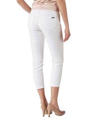 NOOM-brändin vaatteet ovat naisellisia ja hyvin istuvia. Tutustu valikoimaan stockmann.com-verkkokaupassa!
