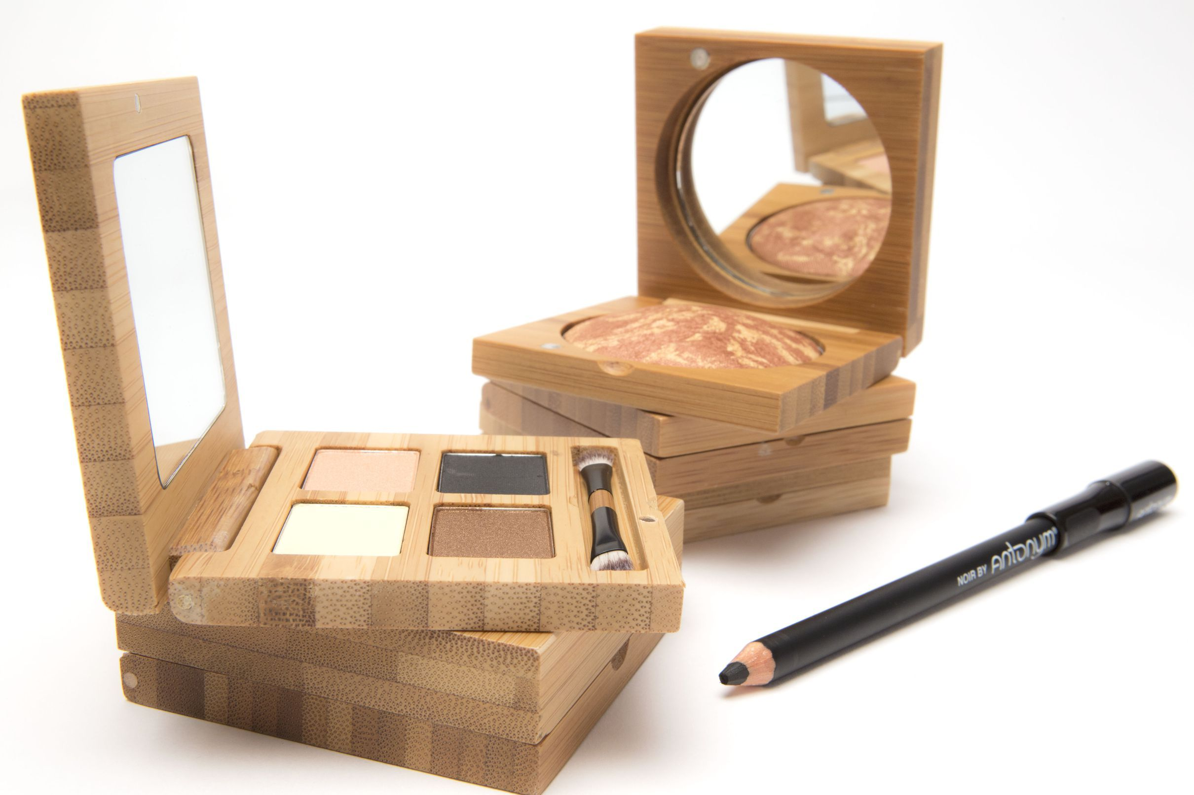 'Natural' Makeup Brand Antonym Launches at