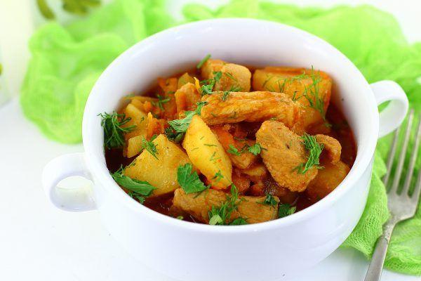Жаркое из свинины с картошкой в казане: рецепт с фото ...