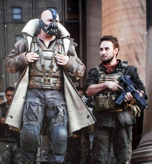 Josh Stewart Who Plays Bane S Right Hand Man Has High Praise For Tom Anybody That Can Put A Mask On Cover Tom Hardy Bane Bane Batman The Dark Knight Rises