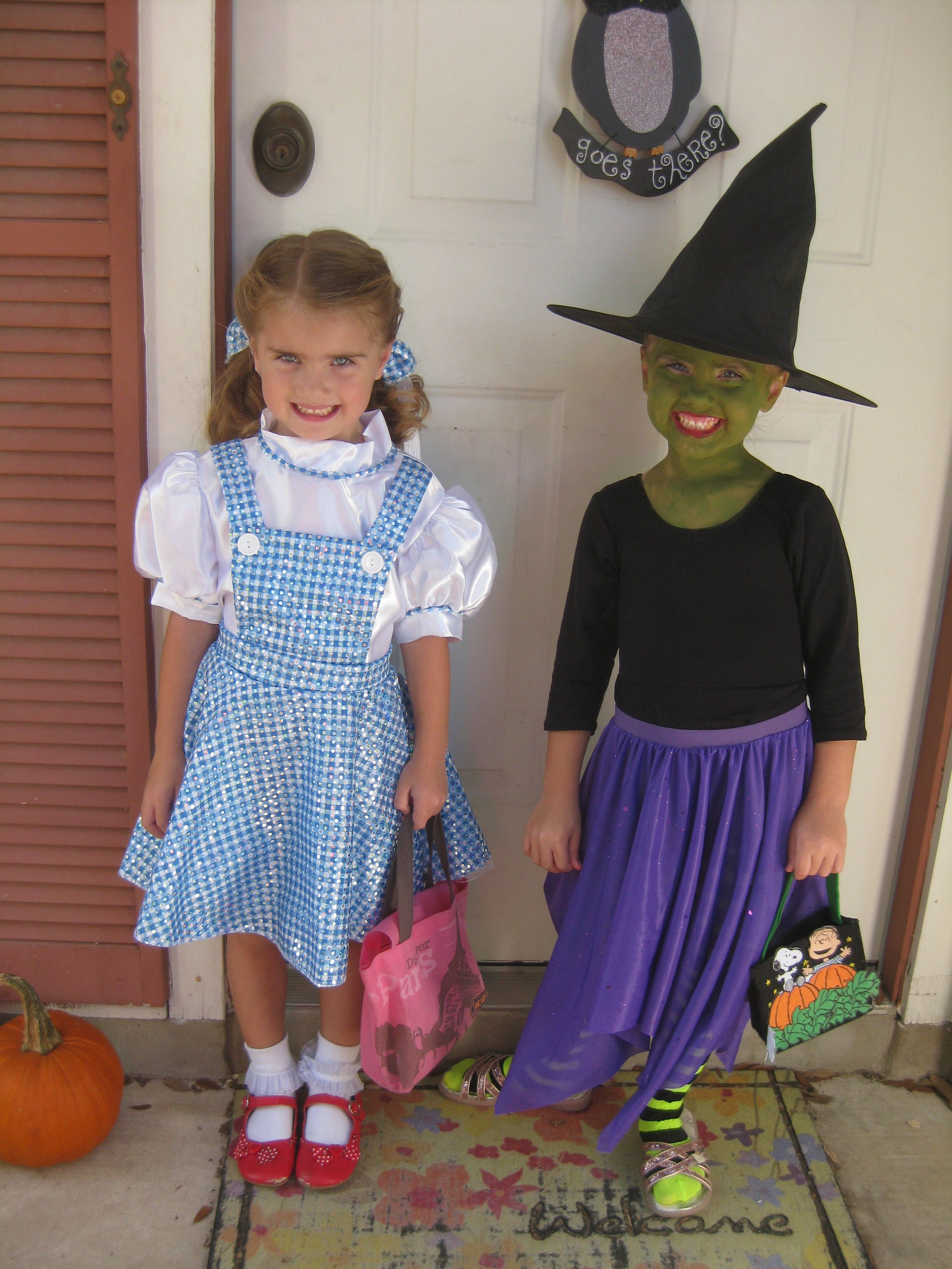Dorothy & the Wicked Witch Wizard of Oz Party