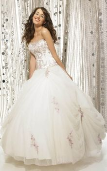 White Ball Gown Strapless Natural Long/Floor-length Sleeveless Pick-Ups Organza Lace-up Quinceanera Dress Dress