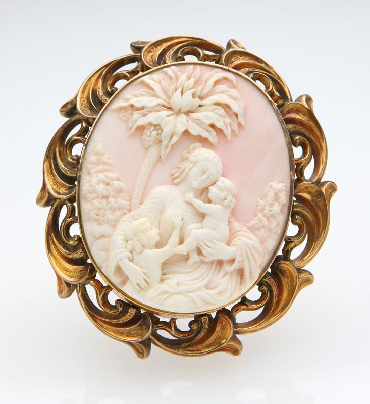 Lot# 1004 An Antique Vermeil And Shell Cameo Brooch.Circa