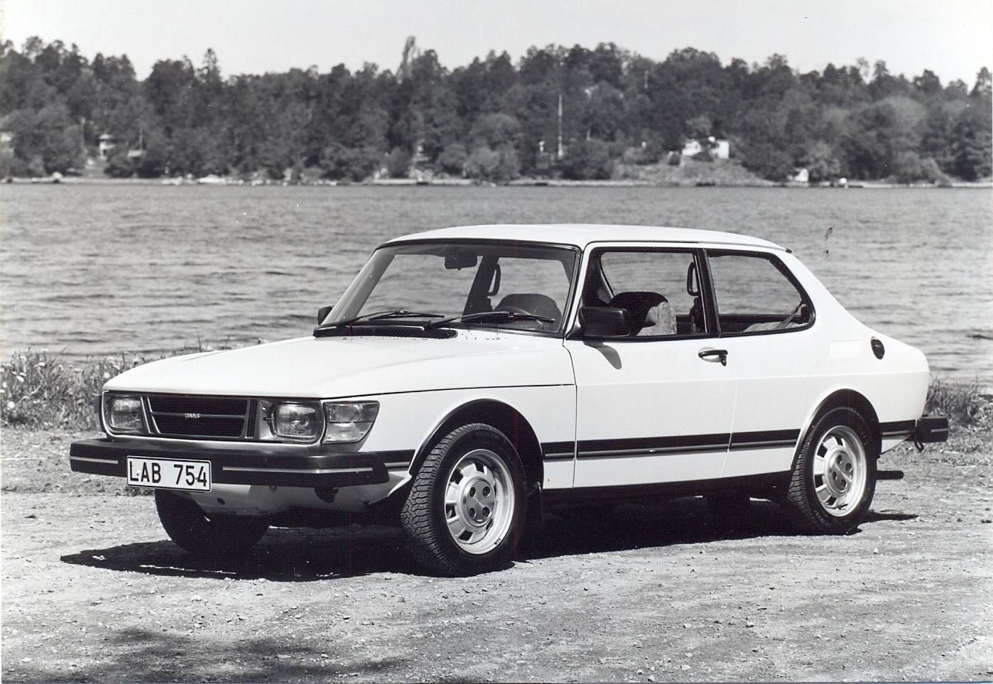 Saab 90 GL 2door 1984 original press photograph Saab
