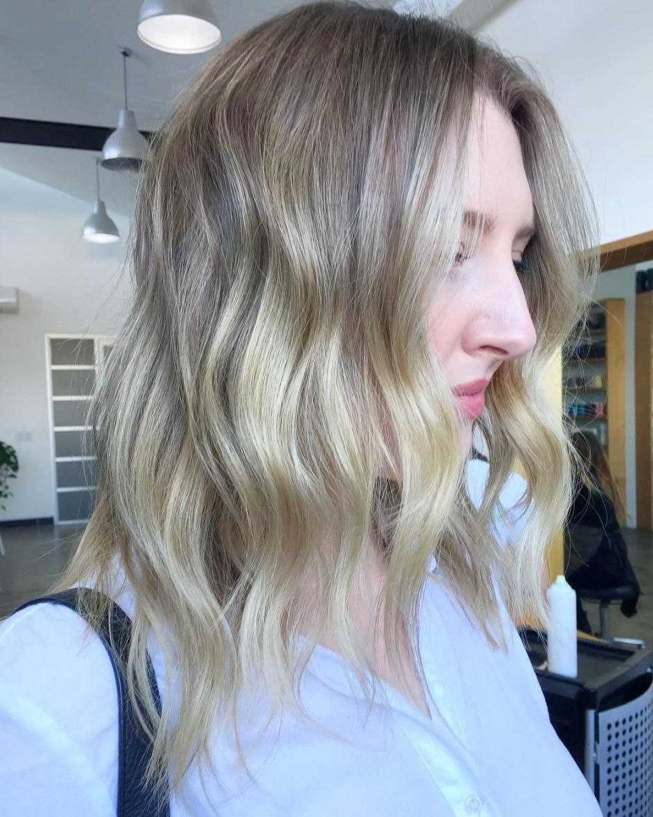A gorgeous fresh #blonde for this beauty by @torie_edwardsandco and a light airy textured chop by @amandatua_edwardsandco.  #edwardsandco #edwardsandcoalexandria