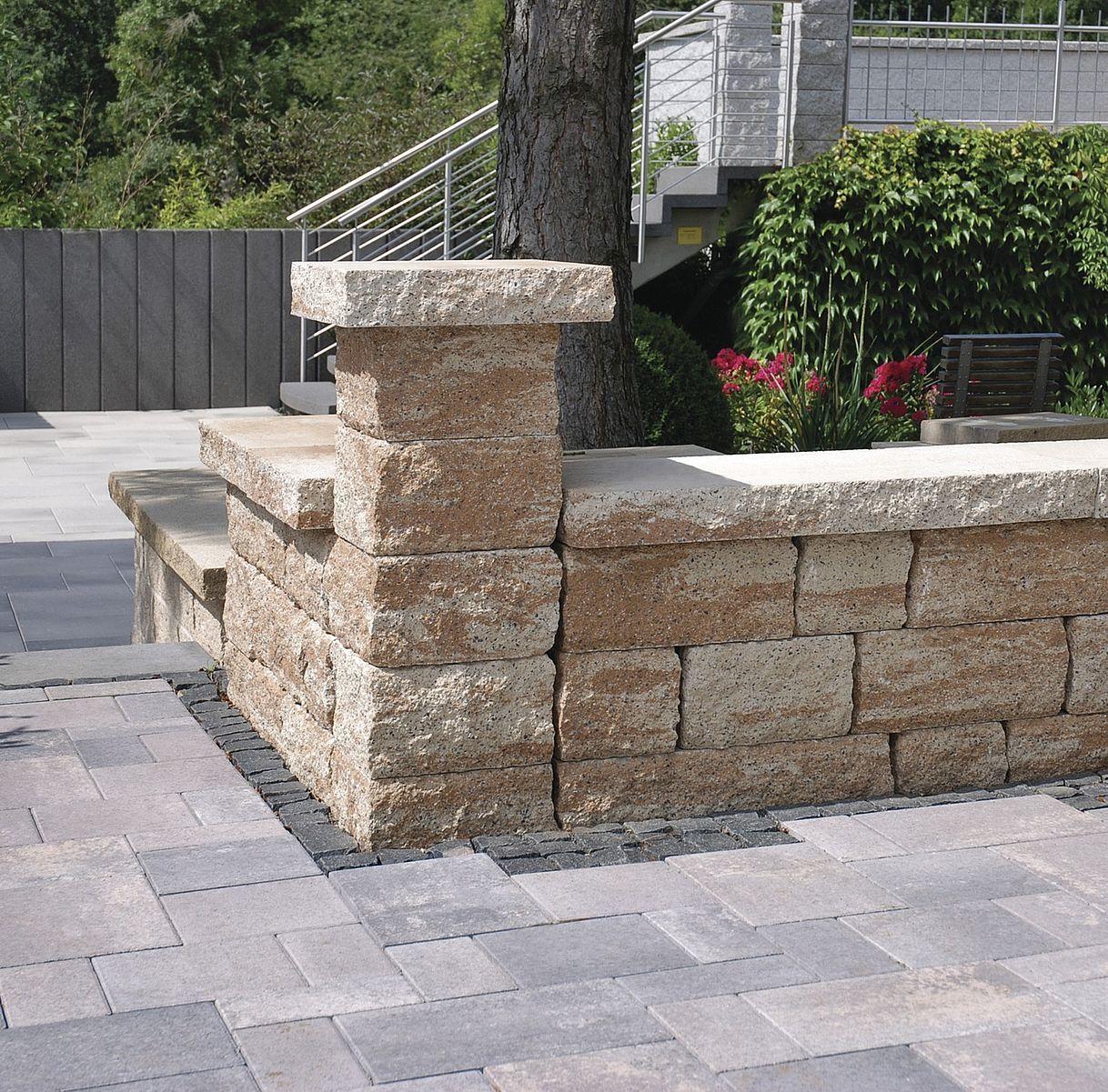Toskana Mauer Von Rinn Betonsteine Und Natursteine In 2020 Natursteine Garten Eingangsbereich Draussen Aussengestaltung