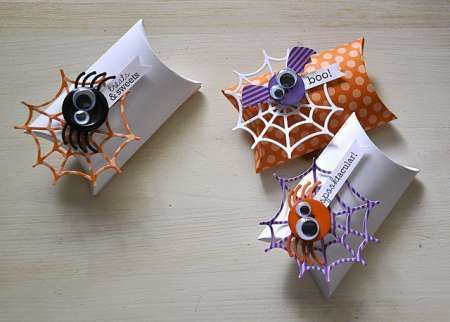 Love this idea, add legs/wings to a button! Tip: Halloween Button Accents