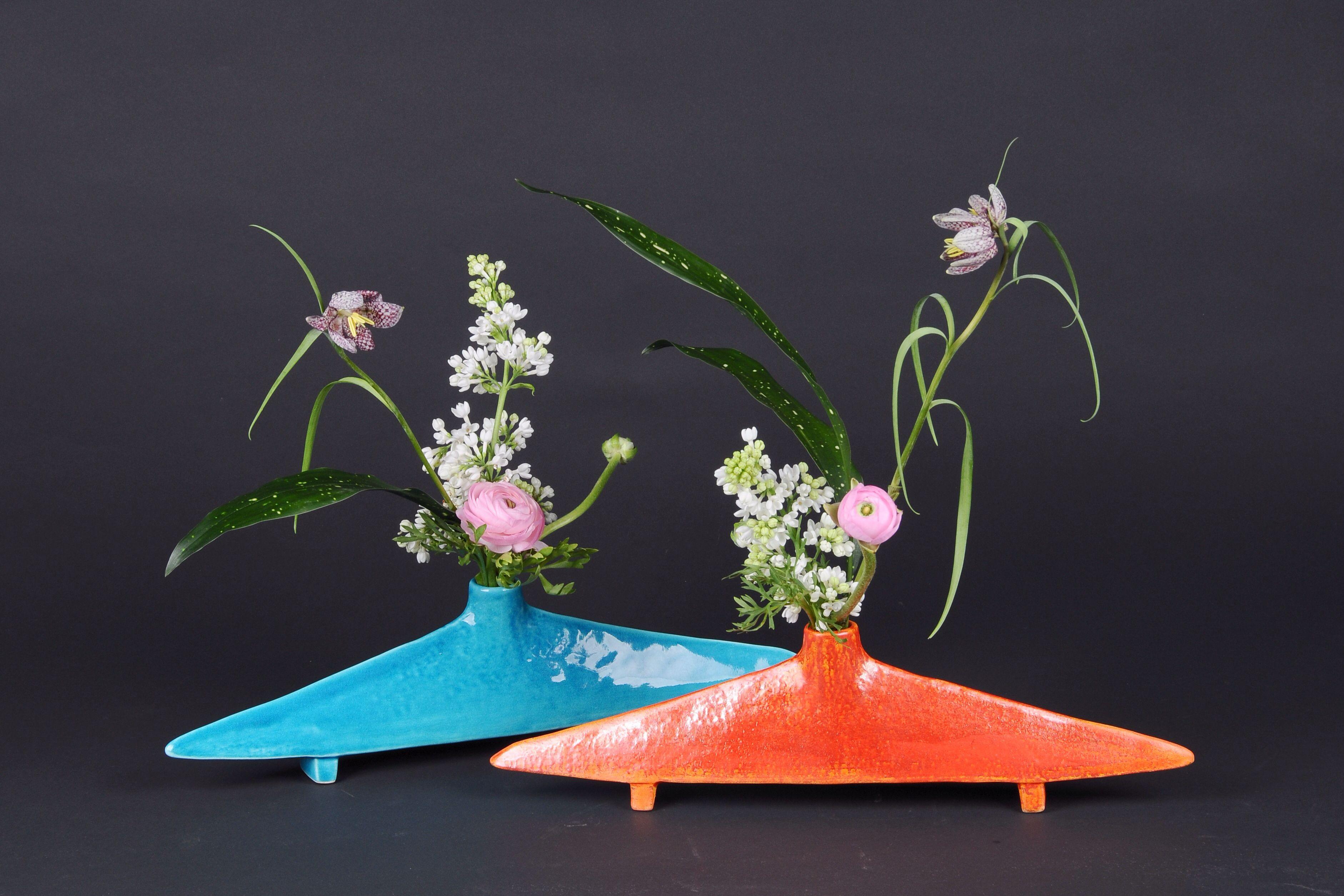 Ikebana ikenobo jiyuka japan flower arrangement by