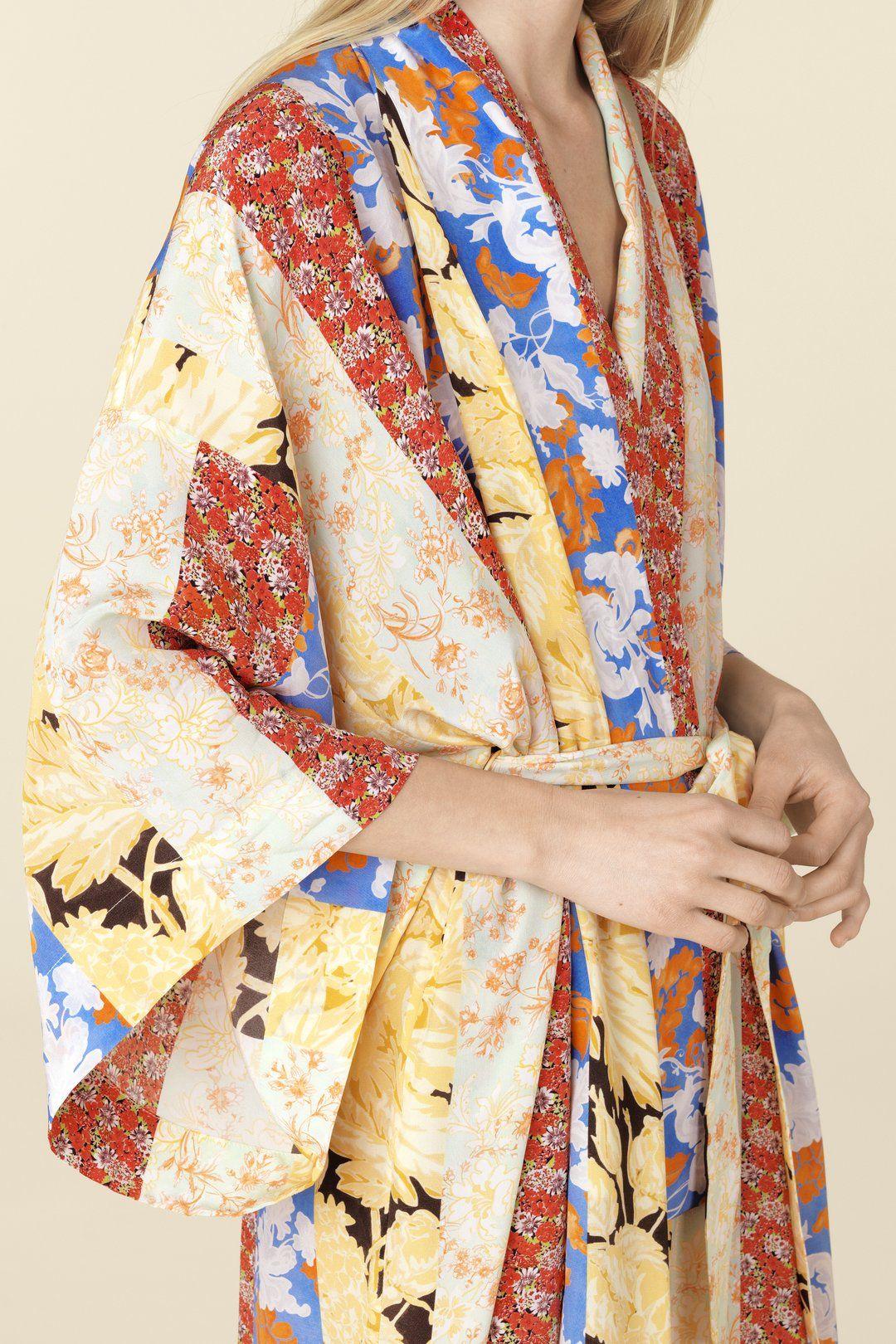 231399ad7b9 Nat Kimono - Floral Wallpaper in 2019   Heatwave   Kimono, Kimono ...