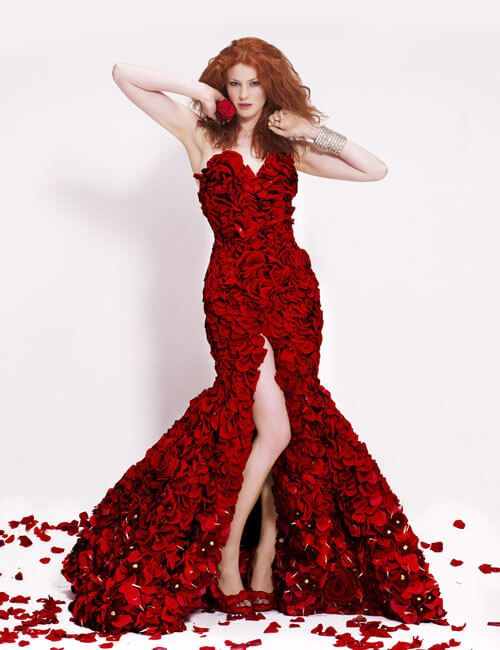 Joseph Massie Designed a Classic Red Rose Dress Made Out Of 1725 ...