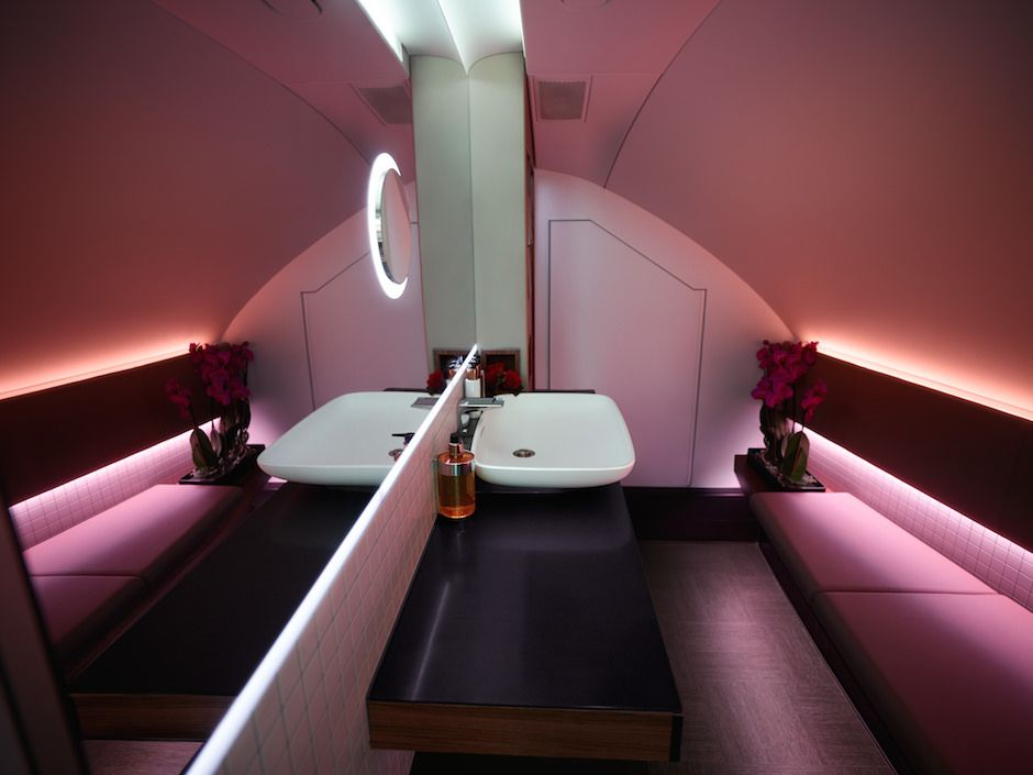 New qatar a380 lounge first bathroom business class