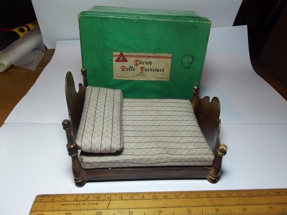 RARE PRE WAR BOXED TRI ANG PERIOD DOLLS FURNITURE BED ART DECO DOLLS HOUSE
