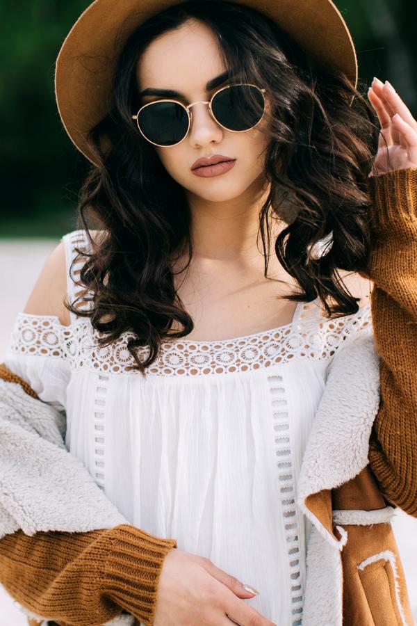 Boho Outfit Inspirationen für Festival Looks gesucht  Diese 7 Basics dürfen  bei Coachella 5dd5df007534b