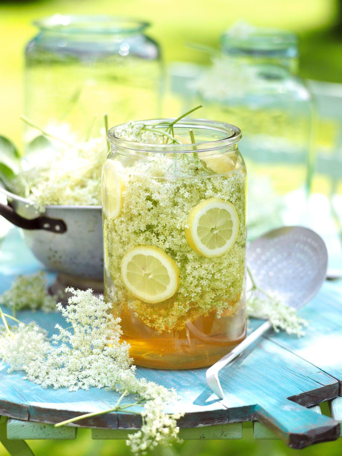 Holunderblütensirup | Rezept | Gesunde Drinks & Getränke | Pinterest ...