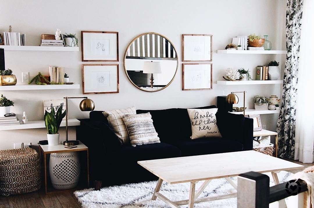 There Are Furniture Pieces That Are Timeless And Leather Sofas Are On The Top 5 Living Room Decor On A Budget Living Room Decor Apartment Glam Living Room