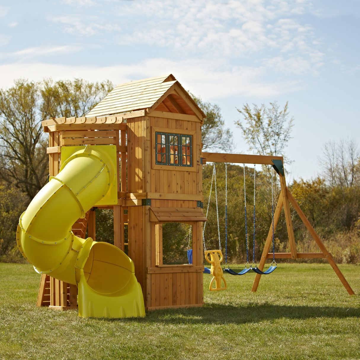 The Swing N Slide Lakewood Wood Complete Play Set Is The Complete Play Destination For Your Backyard Elegant Design With Large Covered Upper Play Deck And