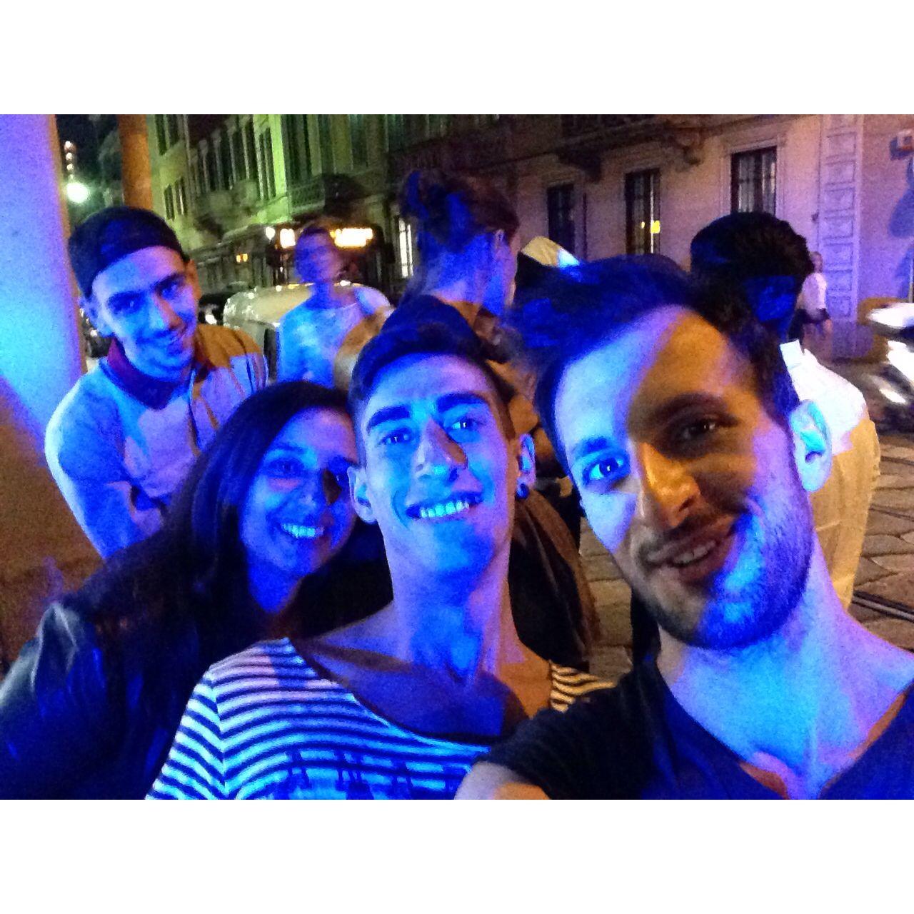 Vogue Fashion's Night 2014 Self-timer in Brera  #mybestfriends #voguefashionsnight2014 #milan #city #glam #day #life #like #moda #evening #love #tumblr #instagram #foursquare #swarm #facebook #pinterest #followme #kiss #filter #social_network