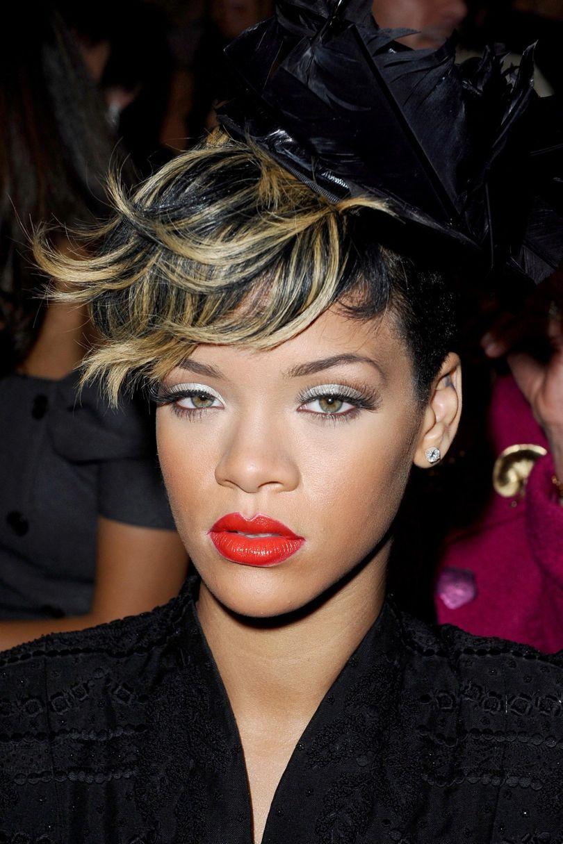 Rihanna Pinned Up Ringlets | Rihanna hairstyles, Headband ... |Dope Rihanna Haircuts