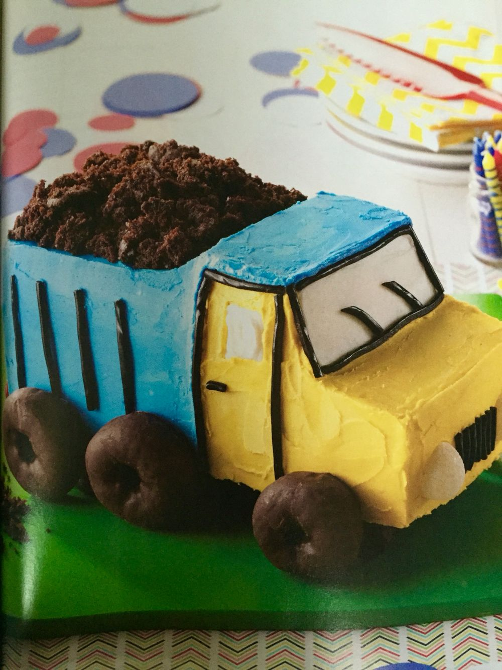 Diy Dump Truck Cake With Images Dump Truck Cakes Boys Bday