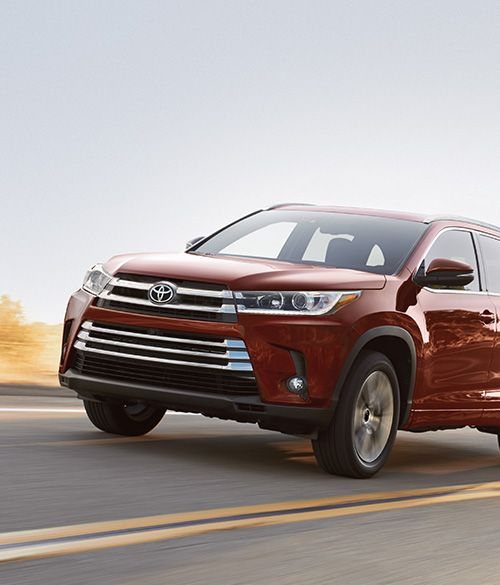 Official 2017 Toyota Highlander Site Find A New Mid Size Suv At Dealership Near You Or Build Price Your Own Online Today