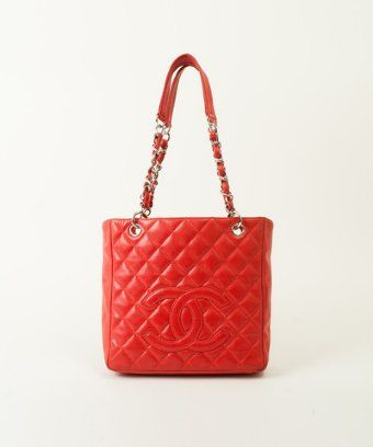 Chanel : red quilted leather CC vintage chain shoulder bag