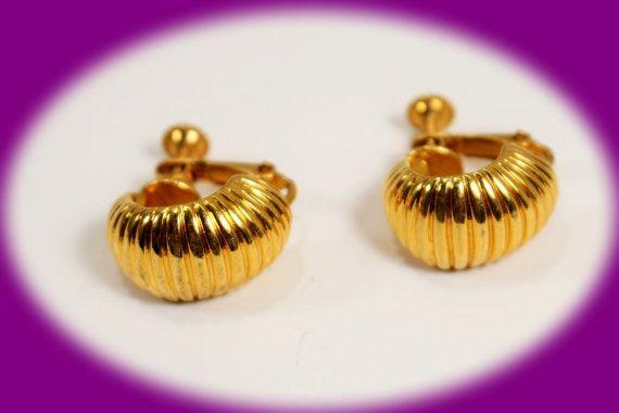 Vintage Earrings Gold Tone Screw Back  by IRENESVINTAGEBLING