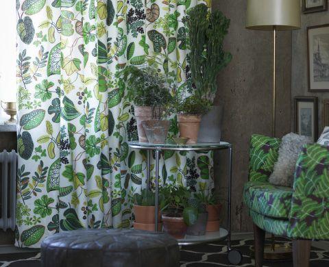 SYSSAN Gardinen in Weiß\/Grün gemustert in einem Wohnzimmer - gardinen wohnzimmer grun