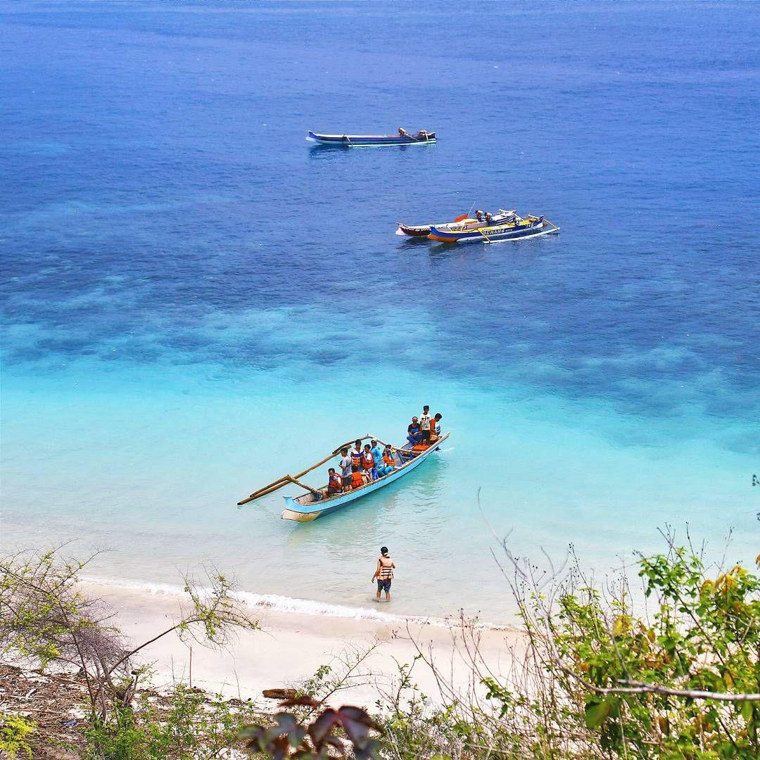 lokasi teluk semangkok dibalik bukit pantai tangsi lombok traveling itu harus