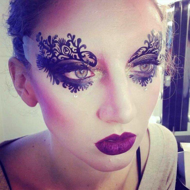 maquillage de halloween minimaliste d 39 inspiration fashion maquillage pinterest maquillage. Black Bedroom Furniture Sets. Home Design Ideas