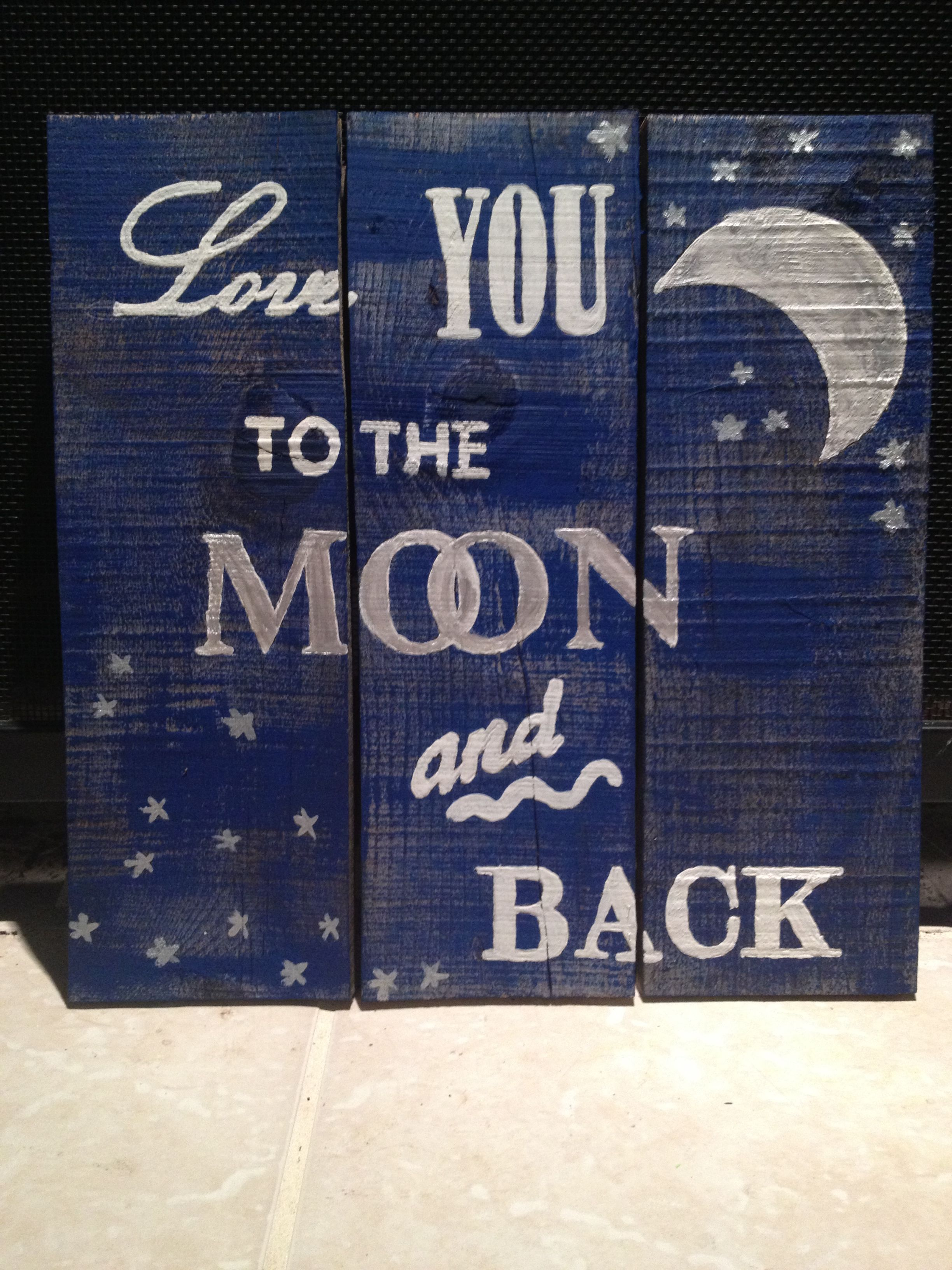 Wood pallet sign love you to the moon and back