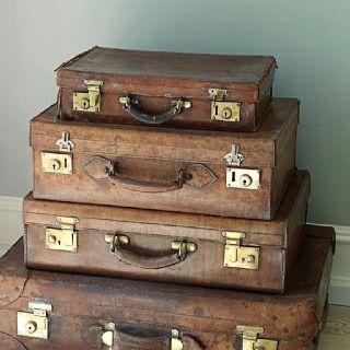 Love vintage suitcases!