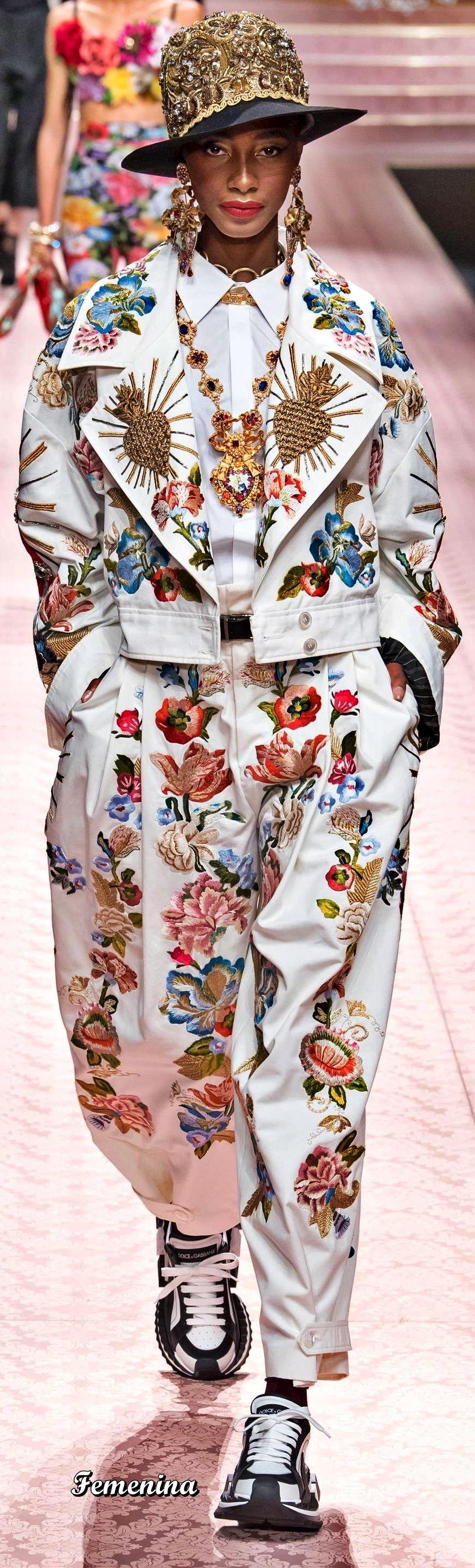 Dolce u Gabbana SpringSummer Victim of Apparel Addiction in