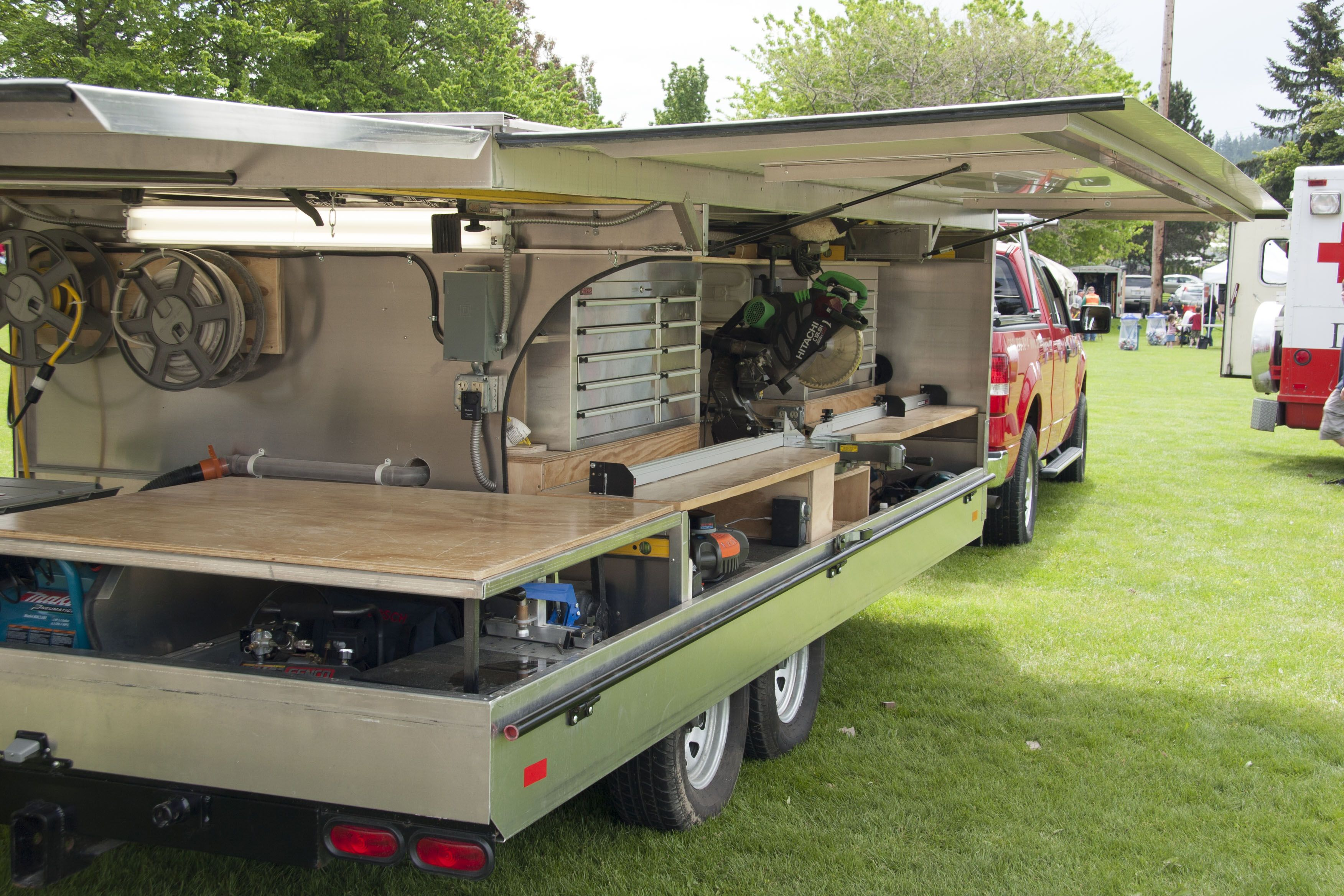 Ron paulk 39 s winged tool trailer to be reborn as a small for Rv workshop