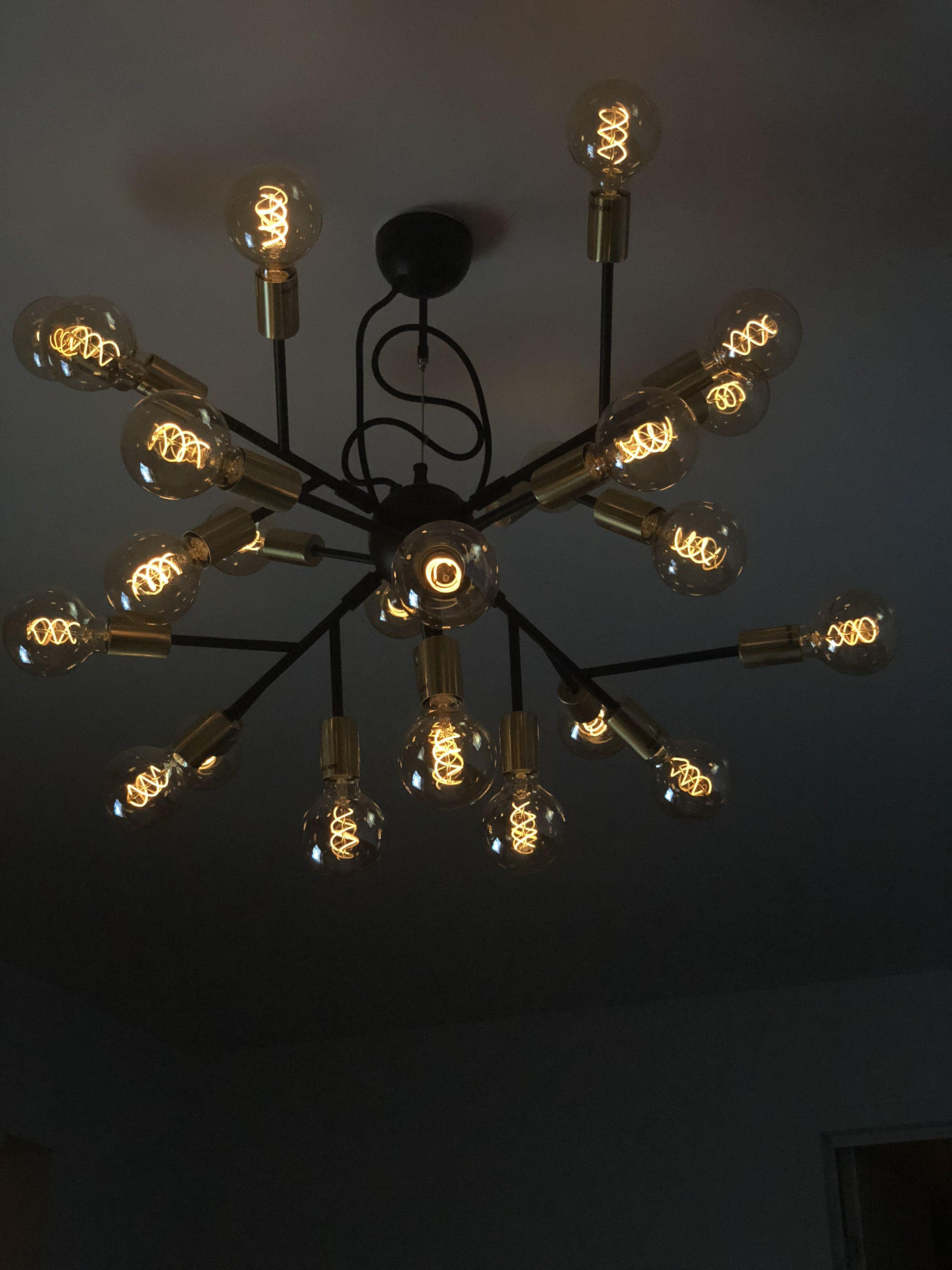 Hero Lampa Dekorerat Med Led Lampor Spiral Från Mio Vardagsrum Lampa Vardagsrum Lampor