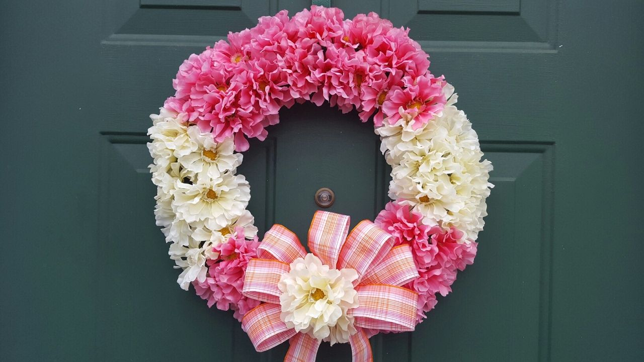 I M So Glad To Share With You My Diy Dollar Tree Wreath Tutorial For