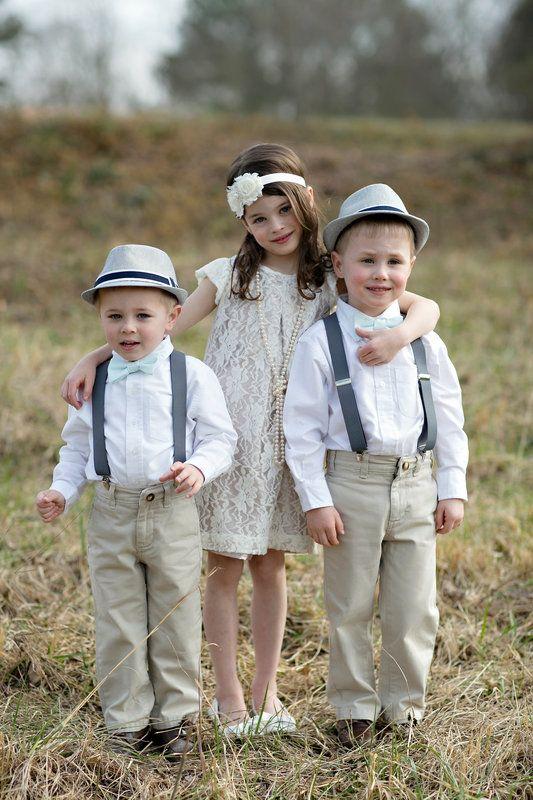 d184bec296 Vestimenta tipo retro para niñas y niños.