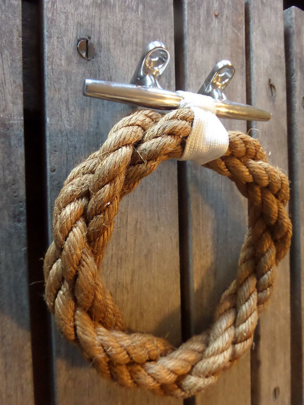 Stunning 50 Nautical Rope Towel Holder You Would Like Https Architecturemagz