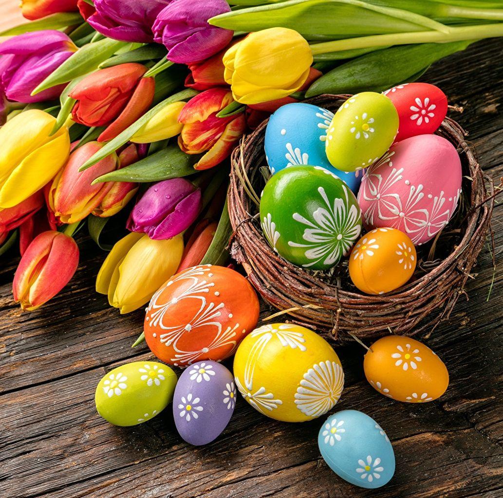 Wallpaper Easter Eggs Tulips Ünnepek, Húsvéti dekorációk