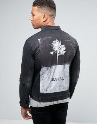 Religion – Jeansjacke mit bedrucktem Aufnäher am Rücken