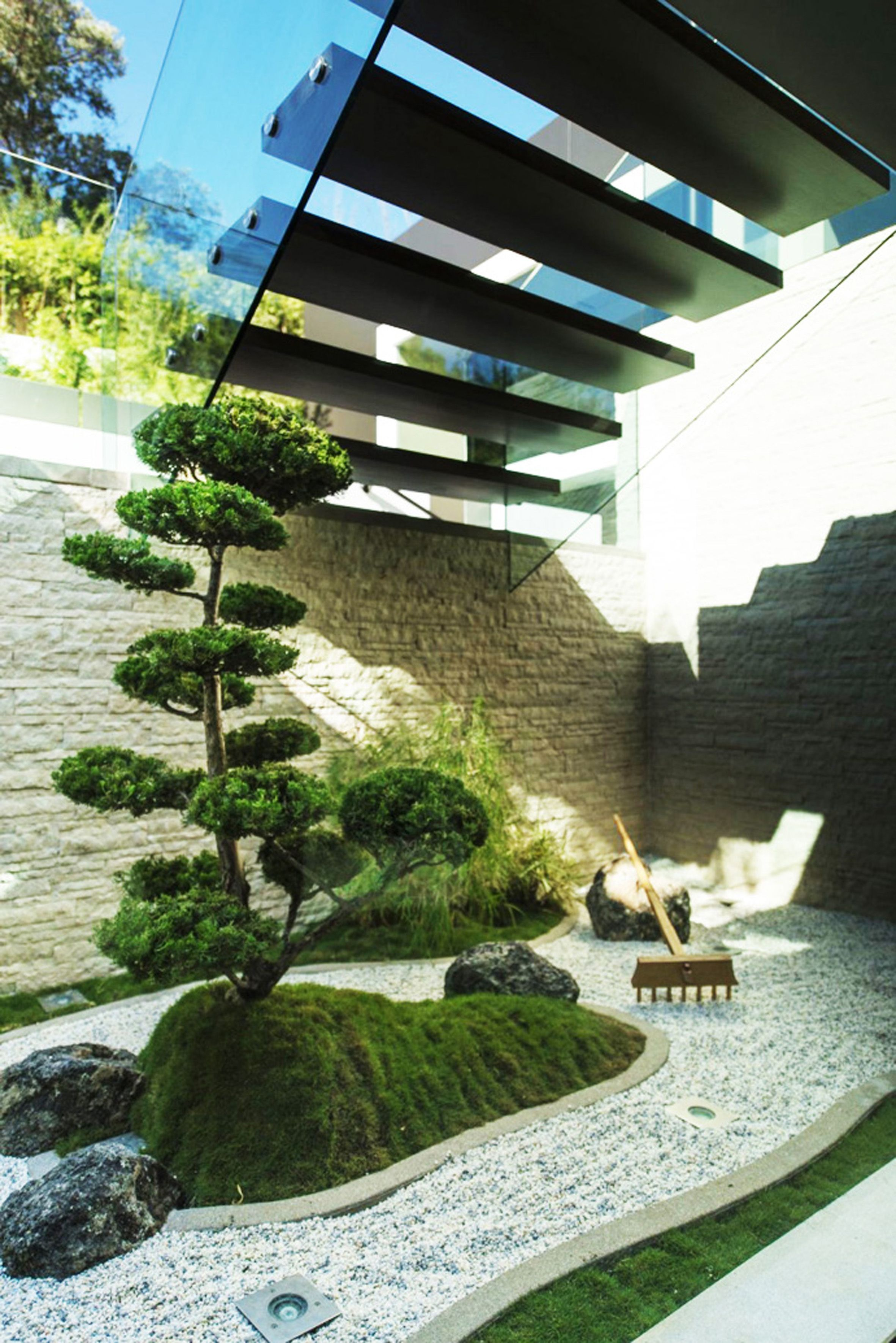 Attractive A Zen Garden Nook Right Under The Stairs. Imagine An Entryway With An  Overlook Into An Interior Courtyard.