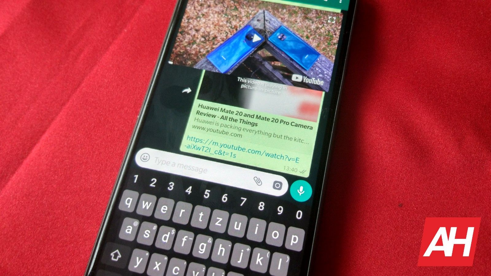 WhatsApp Gets Picture-In-Picture Mode For YouTube, Instagram
