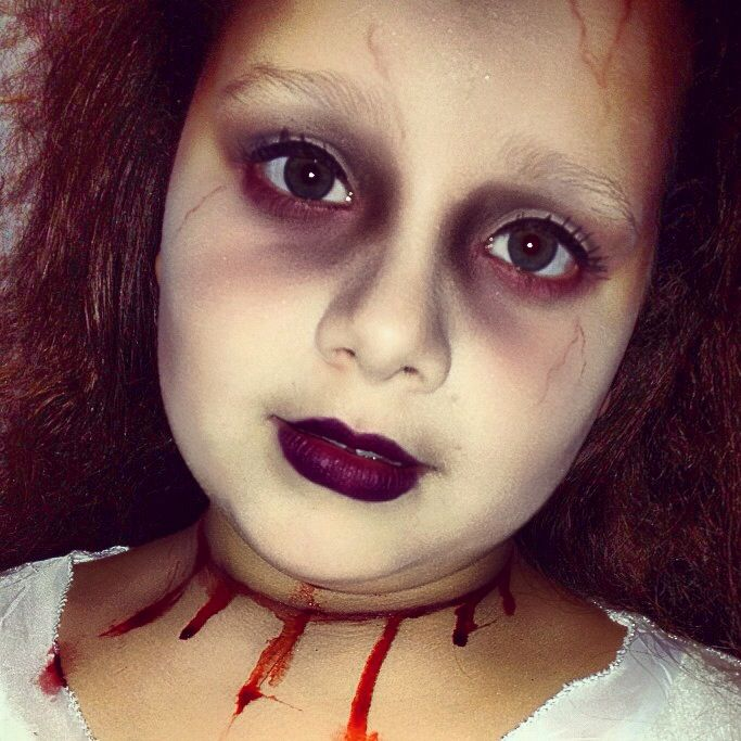 My Daughter As A Dead Bride For Halloween Creepy Halloween Makeup Halloween Makeup For Kids Halloween Makeup Inspiration
