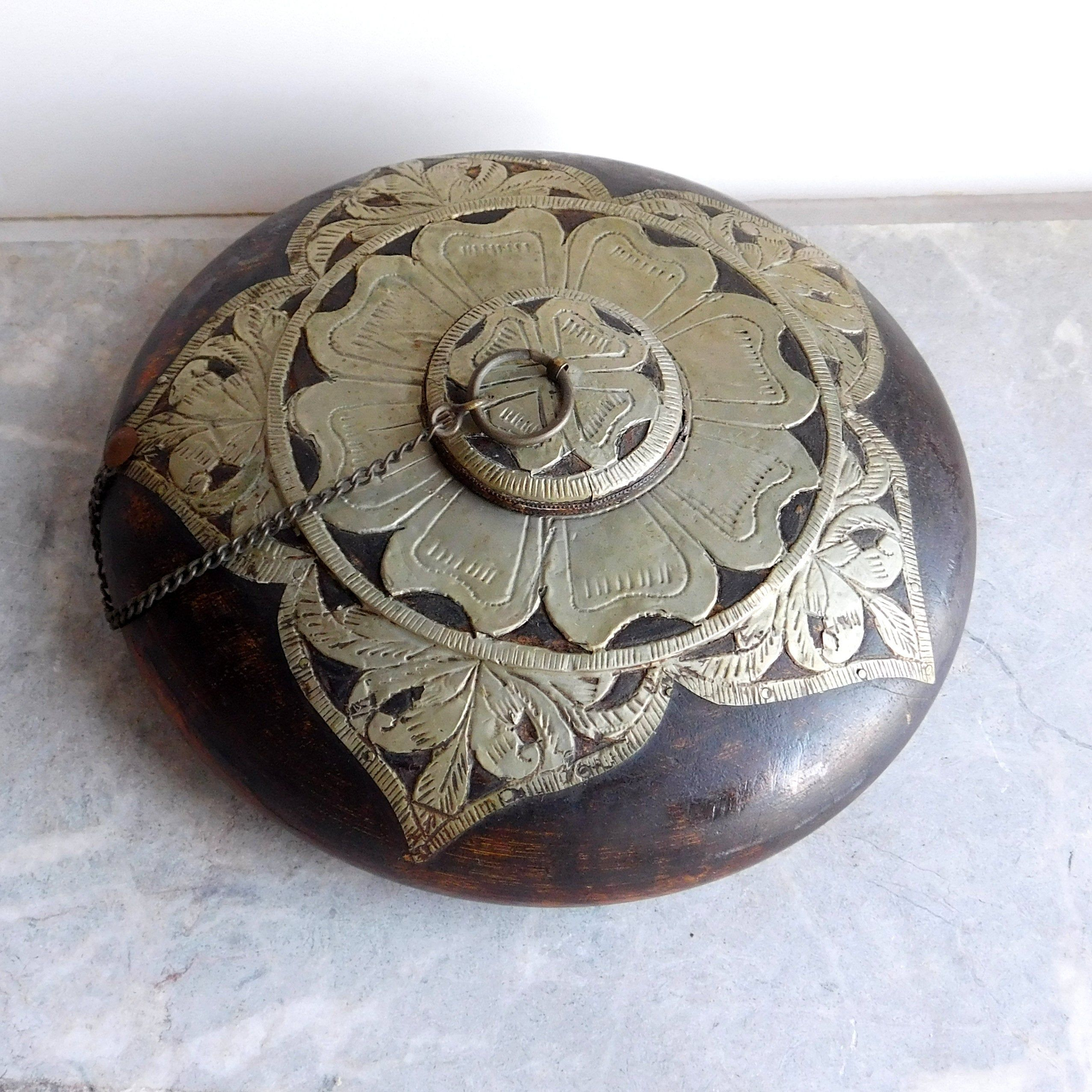 Vintage Wooden Trinket Ring or Jewelry Box Hand Made Turned Wood Round